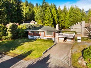 Photo 3: 73 DESSWOOD Place in West Vancouver: Glenmore House for sale : MLS®# R2545550