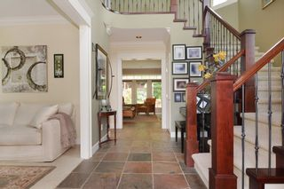 """Photo 2: 35511 DONEAGLE Place in Abbotsford: Abbotsford East House for sale in """"EAGLE MOUNTAIN"""" : MLS®# R2065635"""