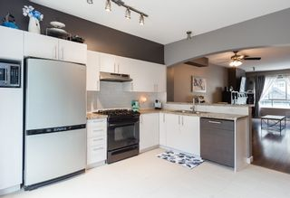 """Photo 7: 147 9133 GOVERNMENT Street in Burnaby: Government Road Townhouse for sale in """"TERRAMOR"""" (Burnaby North)  : MLS®# R2168245"""