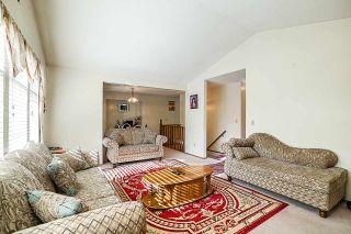Photo 4: 9044 136B Street in Surrey: Bear Creek Green Timbers House for sale : MLS®# R2396586