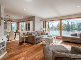 Photo 2: 470 Woodhaven Dr in NANAIMO: Na Uplands House for sale (Nanaimo)  : MLS®# 835873