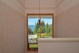 """Photo 11: 5160 RADCLIFFE Road in Sechelt: Sechelt District House for sale in """"SELMA PARK"""" (Sunshine Coast)  : MLS®# R2100427"""