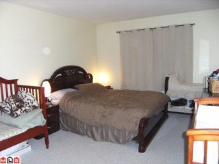 """Photo 6: 204 9948 151ST Street in Surrey: Guildford Condo for sale in """"WESTCHESTER PLACE"""" (North Surrey)  : MLS®# F1102325"""