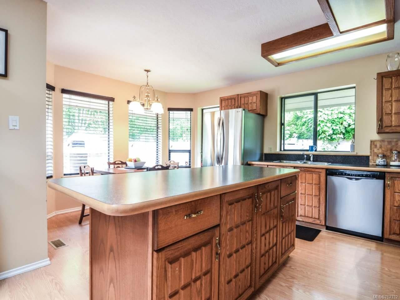 Photo 7: Photos: 1656 Galerno Rd in CAMPBELL RIVER: CR Campbell River Central House for sale (Campbell River)  : MLS®# 762332