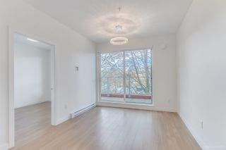 "Photo 10: 304 379 E BROADWAY Street in Vancouver: Mount Pleasant VE Condo for sale in ""Synchro"" (Vancouver East)  : MLS®# R2565005"