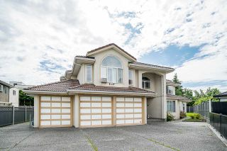 Photo 2: 7504 129A Street in Surrey: West Newton House for sale : MLS®# R2469464