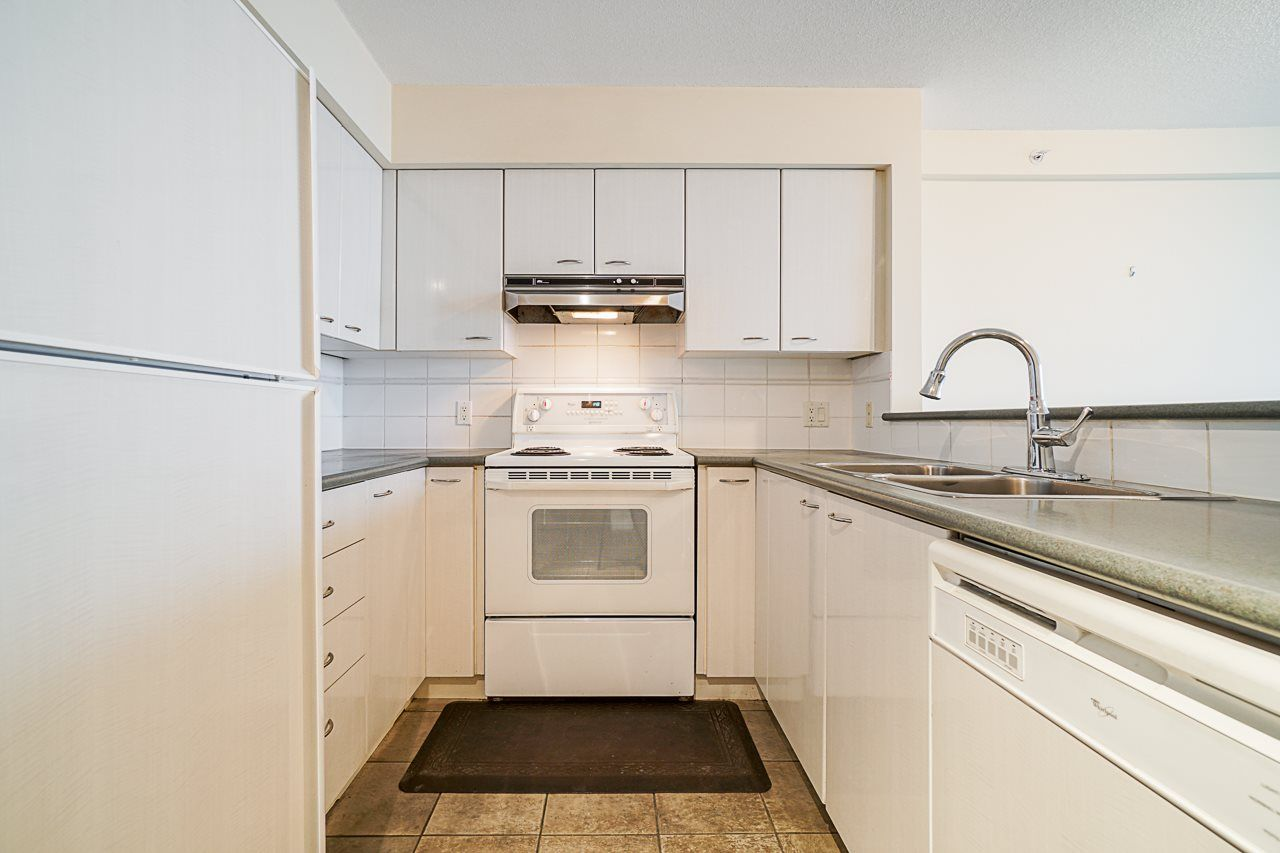 """Main Photo: 626 6028 WILLINGDON Avenue in Burnaby: Metrotown Condo for sale in """"Residences at the Crystal"""" (Burnaby South)  : MLS®# R2567898"""