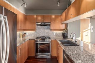"""Photo 4: 2401 1238 RICHARDS Street in Vancouver: Yaletown Condo for sale in """"METROPOLIS"""" (Vancouver West)  : MLS®# R2249261"""