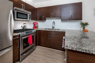 Photo 3: 1871 Stainsbury Avenue in Vancouver: Victoria VE Townhouse for sale (Vancouver East)  : MLS®# R2118664