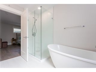 """Photo 18: 109 8217 204B Street in Langley: Willoughby Heights Townhouse for sale in """"Ironwood"""" : MLS®# R2505195"""