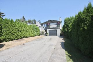 Photo 2: 1820 Keys Place in Abbotsford: Central Abbotsford House for sale : MLS®# R2606197