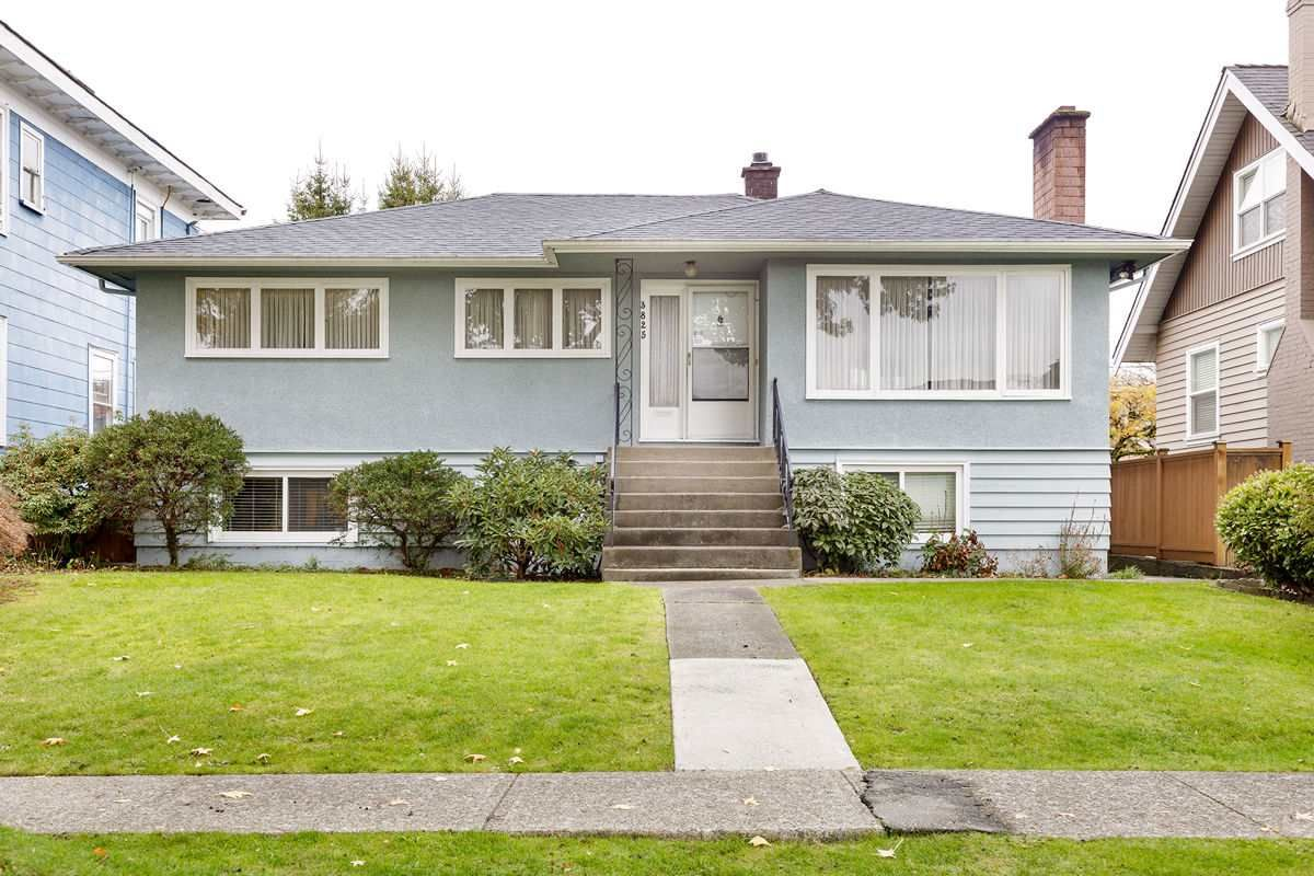 Main Photo: 3825 DUNDAS Street in Burnaby: Vancouver Heights House for sale (Burnaby North)  : MLS®# R2517776
