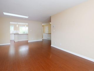 Photo 3: 75 14 Erskine Lane in : VR Hospital Row/Townhouse for sale (View Royal)  : MLS®# 876375
