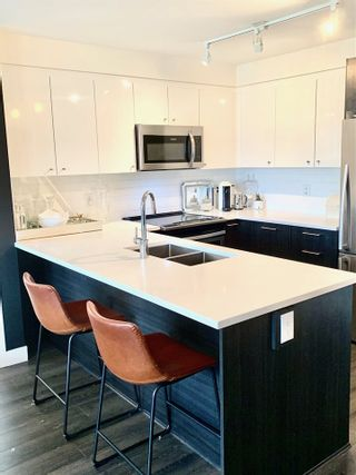 Photo 7: 310 2525 CLARKE Street in Port Moody: Port Moody Centre Condo for sale : MLS®# R2459092