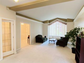 Photo 5: 6324 191A Street in Surrey: Cloverdale BC House for sale (Cloverdale)  : MLS®# R2588171