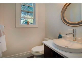 Photo 15: 6427 LAURENTIAN Way SW in Calgary: North Glenmore Park House for sale : MLS®# C4077730