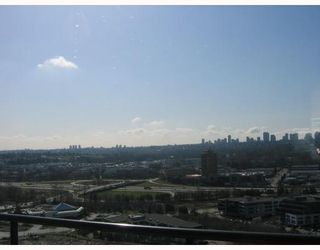 """Photo 4: 2502 2355 MADISON Avenue in Burnaby: Brentwood Park Condo for sale in """"OMA"""" (Burnaby North)  : MLS®# V786669"""