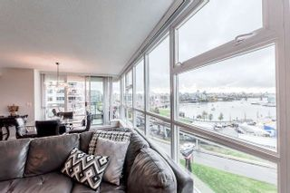 """Photo 11: 905 125 MILROSS Avenue in Vancouver: Mount Pleasant VE Condo for sale in """"CREEKSIDE"""" (Vancouver East)  : MLS®# R2218297"""