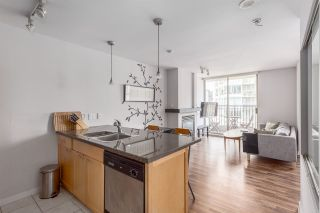"""Photo 2: 1501 989 RICHARDS Street in Vancouver: Downtown VW Condo for sale in """"MONDRIAN ONE"""" (Vancouver West)  : MLS®# R2171002"""