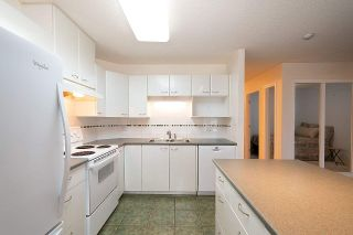 """Photo 8: 1308 4425 HALIFAX Street in Burnaby: Brentwood Park Condo for sale in """"POLARIS"""" (Burnaby North)  : MLS®# R2426682"""