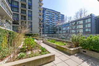"""Photo 30: 1008 1708 COLUMBIA Street in Vancouver: False Creek Condo for sale in """"Wall Centre- False Creek"""" (Vancouver West)  : MLS®# R2560917"""
