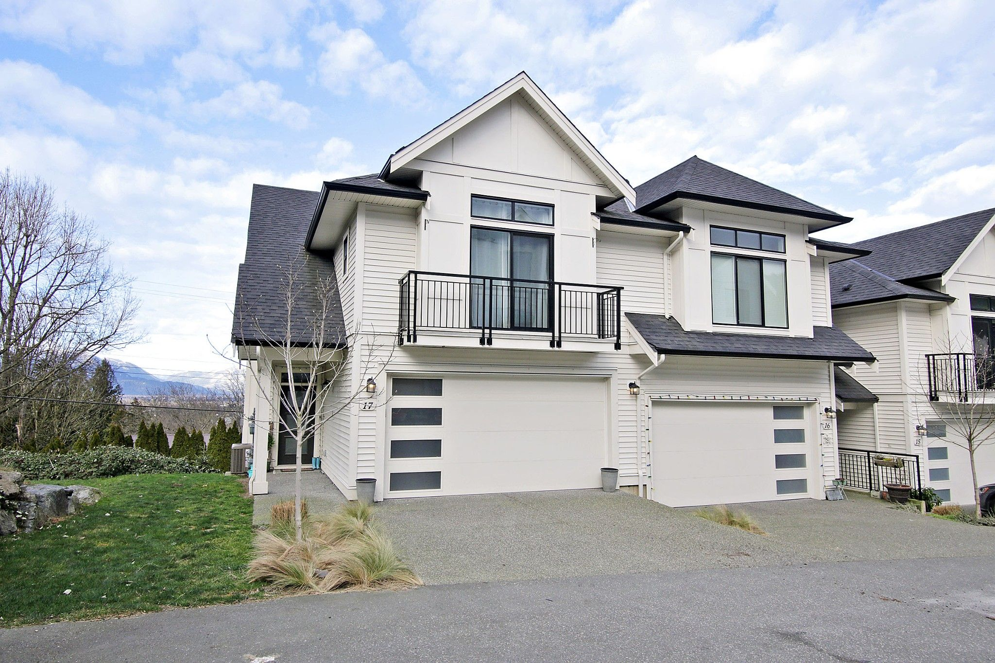 """Main Photo: 17 5797 PROMONTORY Road in Chilliwack: Promontory Townhouse for sale in """"Thornton Terrace"""" (Sardis)  : MLS®# R2537938"""