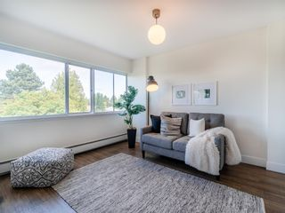 """Photo 17: 401 5926 TISDALL Street in Vancouver: Oakridge VW Condo for sale in """"OAKMONT PLAZA"""" (Vancouver West)  : MLS®# R2374156"""