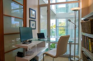 Photo 4: 318 68 Songhees Rd in : VW Songhees Condo for sale (Victoria West)  : MLS®# 886313