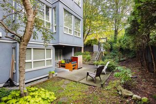 "Photo 16: 101 3 N GARDEN Drive in Vancouver: Hastings Condo for sale in ""GARDEN COURT"" (Vancouver East)  : MLS®# R2407147"
