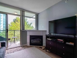 Photo 8: 302 2733 CHANDLERY Place in Vancouver: South Marine Condo for sale (Vancouver East)  : MLS®# R2483139