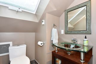 """Photo 17: 2012 MCNICOLL Avenue in Vancouver: Kitsilano House for sale in """"Kits Point"""" (Vancouver West)  : MLS®# R2429054"""