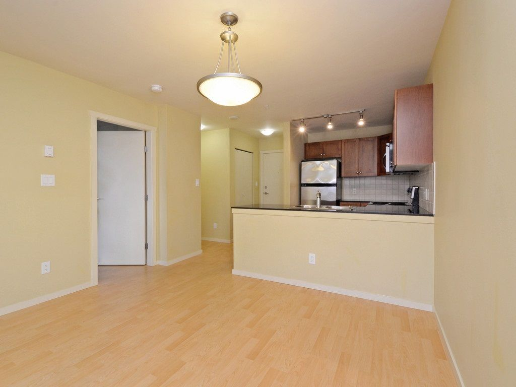 Photo 7: Photos: 213 315 KNOX Street in New Westminster: Sapperton Condo for sale : MLS®# R2232831