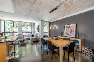 """Photo 15: 202 919 STATION Street in Vancouver: Strathcona Condo for sale in """"Left Bank"""" (Vancouver East)  : MLS®# R2413251"""