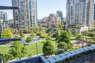 """Photo 11: 607 1155 SEYMOUR Street in Vancouver: Downtown VW Condo for sale in """"The Brava"""" (Vancouver West)  : MLS®# R2581521"""