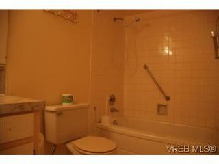 Photo 9: 304A 2040 White Birch Rd in SIDNEY: Si Sidney North-East Condo for sale (Sidney)  : MLS®# 497201