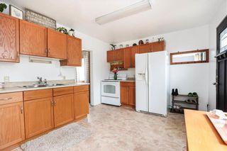 Photo 12: 400 Thames Avenue in Winnipeg: Elmwood Residential for sale (3A)  : MLS®# 202109055