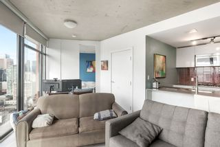 """Photo 7: 3208 128 W CORDOVA Street in Vancouver: Downtown VW Condo for sale in """"Woodwards (W43)"""" (Vancouver West)  : MLS®# R2538391"""