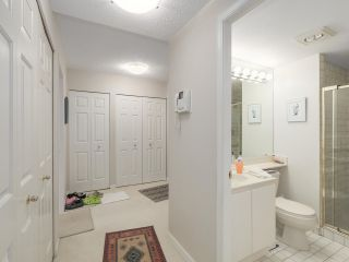 """Photo 12: 301 2189 W 42ND Avenue in Vancouver: Kerrisdale Condo for sale in """"GOVERNOR POINT"""" (Vancouver West)  : MLS®# R2098848"""