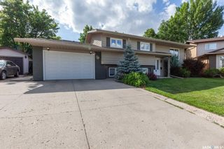 Photo 2: 183 Coldspring Crescent in Saskatoon: Lakeview SA Residential for sale : MLS®# SK779270