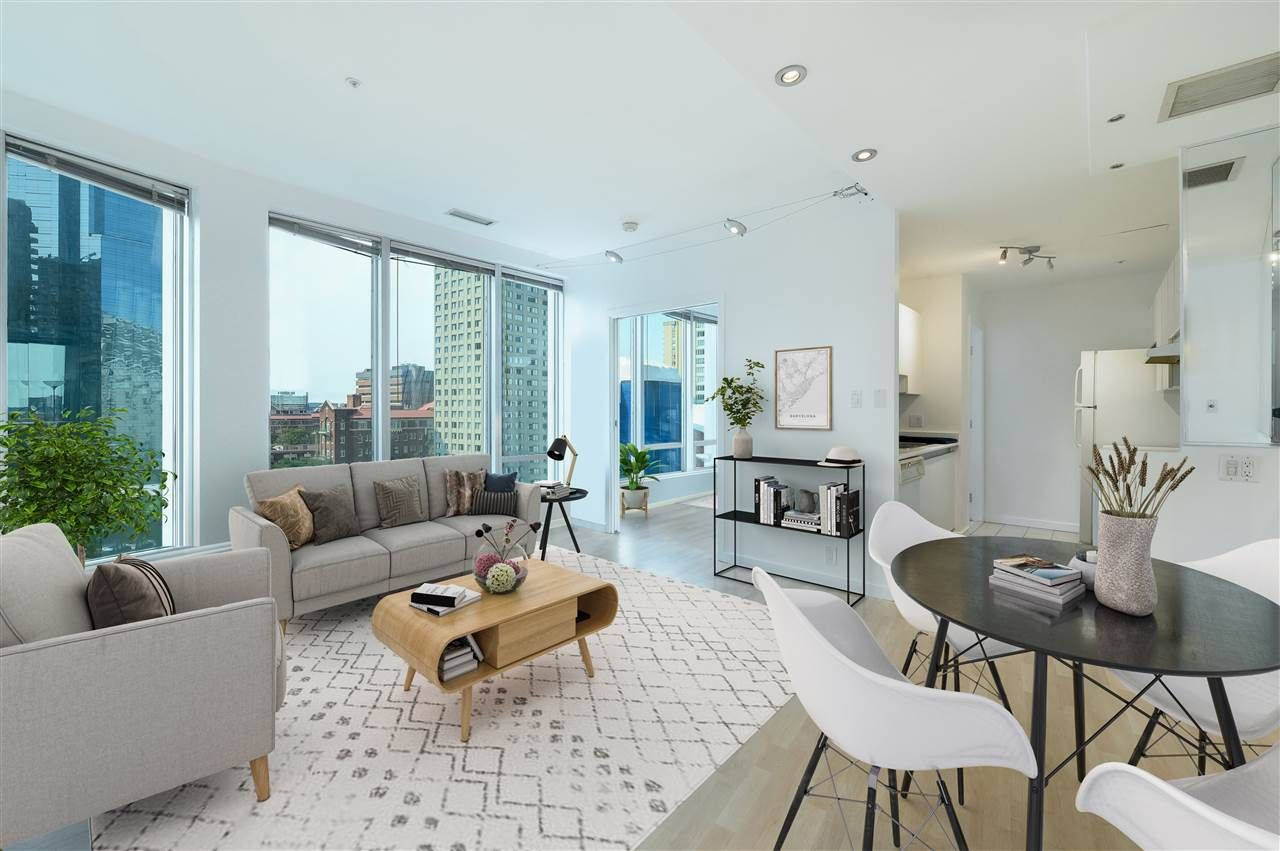 """Main Photo: 704 989 NELSON Street in Vancouver: Downtown VW Condo for sale in """"The Electra"""" (Vancouver West)  : MLS®# R2531456"""