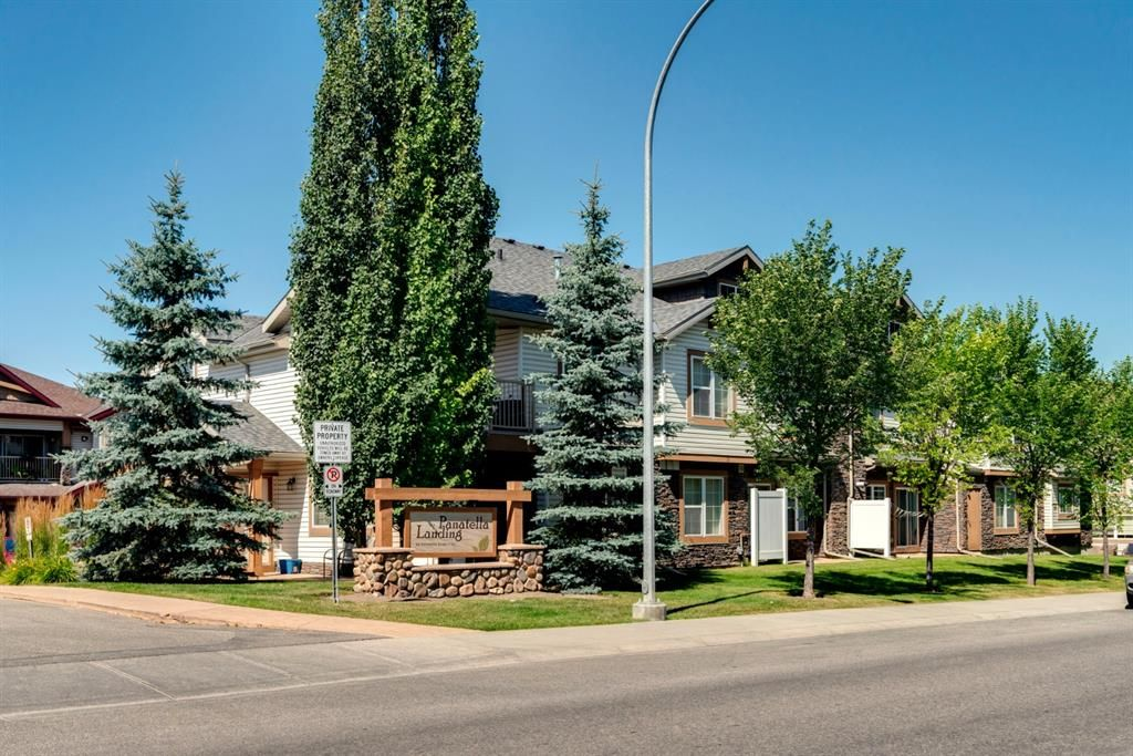 Main Photo: 104 20 Panatella Landing NW in Calgary: Panorama Hills Row/Townhouse for sale : MLS®# A1117783