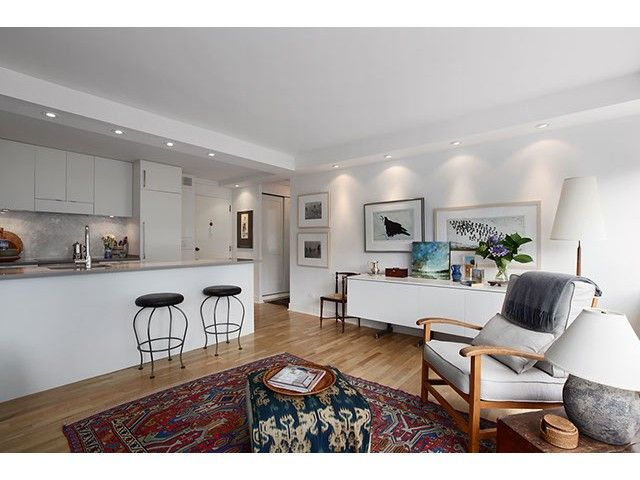 """Main Photo: 605 1445 MARPOLE Avenue in Vancouver: Fairview VW Condo for sale in """"HYCROFT TOWERS"""" (Vancouver West)  : MLS®# V968487"""