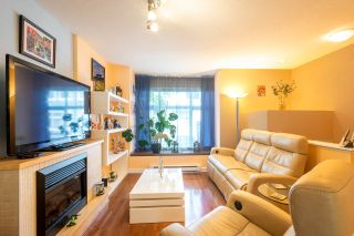 "Photo 2: 42 7533 HEATHER Street in Richmond: McLennan North Townhouse for sale in ""HEATHER GREEN"" : MLS®# R2370394"
