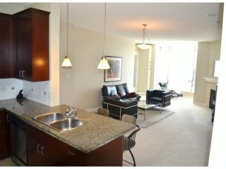 """Photo 5: 206 1581 FOSTER Street: White Rock Condo for sale in """"The Sussex"""" (South Surrey White Rock)  : MLS®# F1318737"""