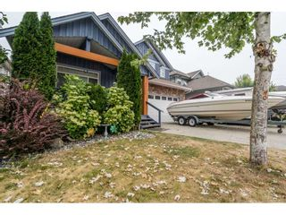 Photo 3: 32777 HOOD AVENUE in Mission: Mission BC House for sale : MLS®# R2486741