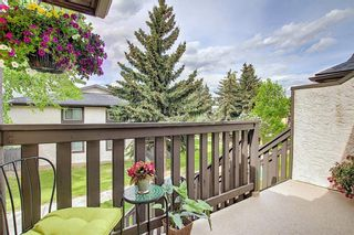 Photo 4: 139 Cedar Springs Gardens SW in Calgary: Cedarbrae Row/Townhouse for sale : MLS®# A1059547
