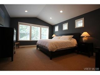 Photo 8: 2188 Harrow Gate in VICTORIA: La Bear Mountain House for sale (Langford)  : MLS®# 696440