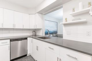 """Photo 18: 301 874 W 6TH Avenue in Vancouver: Fairview VW Condo for sale in """"FAIRVIEW"""" (Vancouver West)  : MLS®# R2542102"""