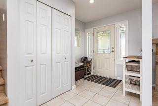 Photo 2: 1709 Quatsino Pl in : CV Comox (Town of) House for sale (Comox Valley)  : MLS®# 872323