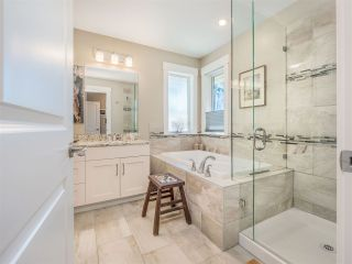 """Photo 19: 5557 PEREGRINE Crescent in Sechelt: Sechelt District House for sale in """"SilverStone Heights"""" (Sunshine Coast)  : MLS®# R2492023"""